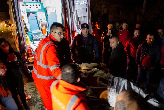 Αλβανία: Τραγικές ιστορίες στα ερείπια του φονικού σεισμού - εικόνα 4