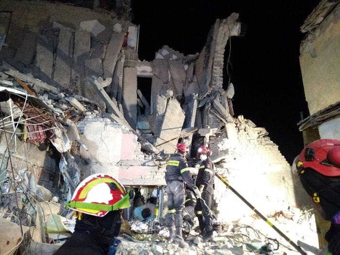 Δυρράχιο-Θουμάνι: Η δράση της ΕΜΑΚ στα ερείπια