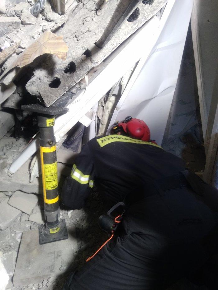 Δυρράχιο-Θουμάνι: Η δράση της ΕΜΑΚ στα ερείπια - εικόνα 2