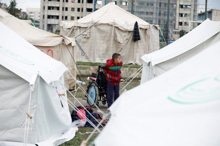 Τραγικές ιστορίες στην Αλβανία: «Τα παιδιά μας ακόμη τρέμουν» - εικόνα 3
