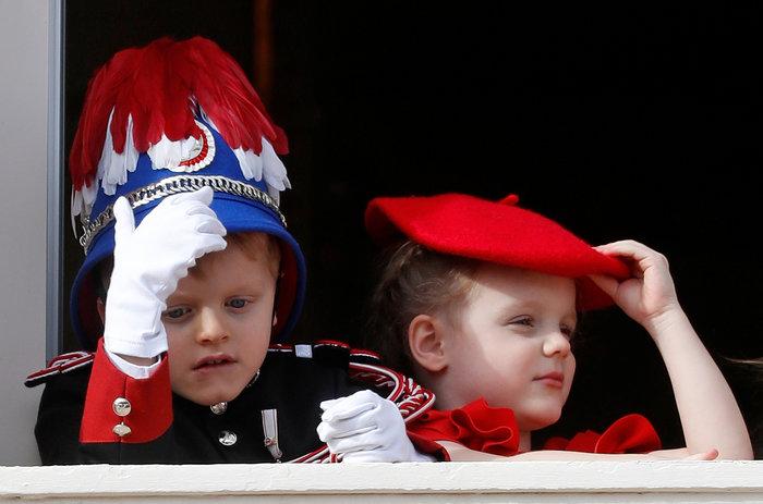 Πριγκίπισσα Σαρλίν: Τα δίδυμα είναι δίγλωσσα, τα μεγαλώνω χωρίς νταντάδες - εικόνα 3