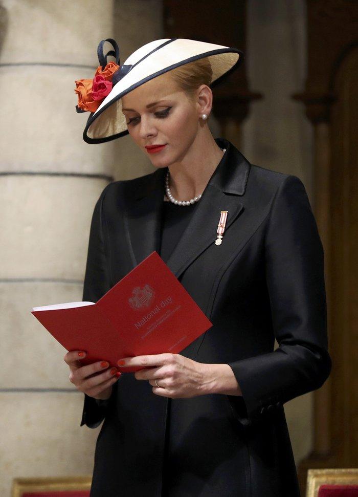 Πριγκίπισσα Σαρλίν: Τα δίδυμα είναι δίγλωσσα, τα μεγαλώνω χωρίς νταντάδες