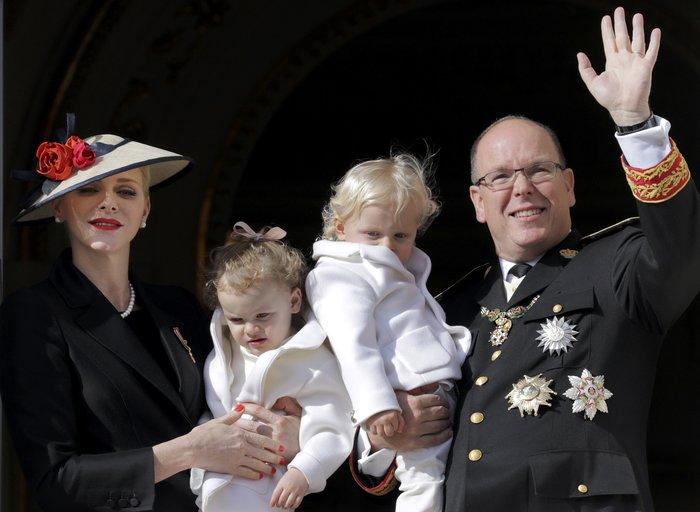 Πριγκίπισσα Σαρλίν: Τα δίδυμα είναι δίγλωσσα, τα μεγαλώνω χωρίς νταντάδες - εικόνα 5