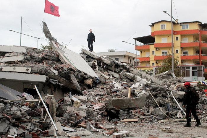 Tραγωδία χωρίς τέλος: Εφτασαν τους 50 οι νεκροί στην Αλβανία - εικόνα 2
