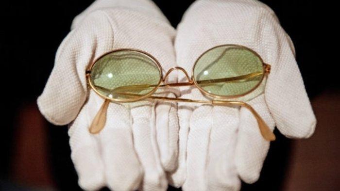 Βρετανία: Σε δημοπρασία τα στρογγυλά γυαλιά ηλίου του Τζον Λένον