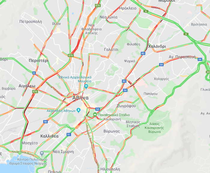 Ουρές χιλιομέτρων στην Αθήνα λόγω Black Friday