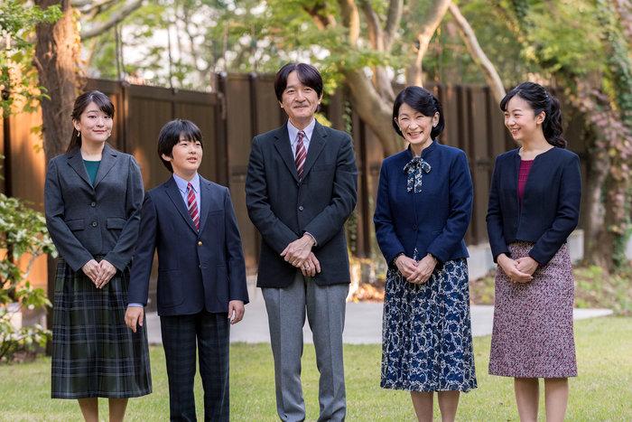 Η εντελώς «κόντρα» βασιλική οικογένεια της Ιαπωνίας: Εκτός χλιδής & μόδας
