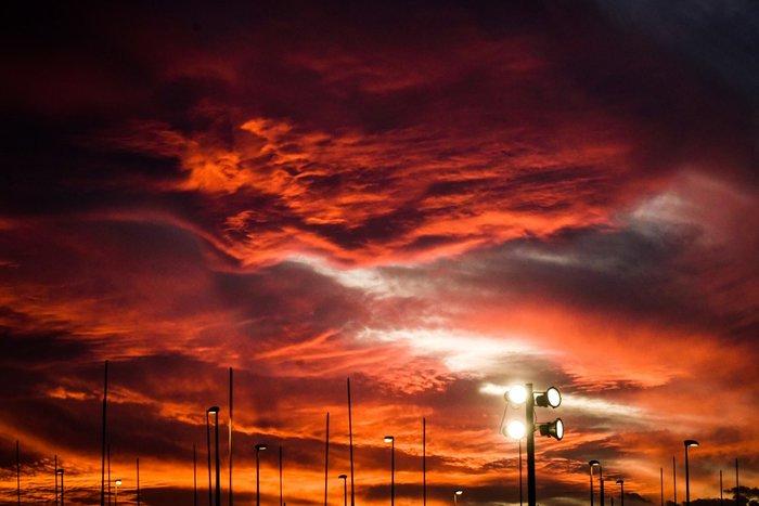 Η Τατιάνα Μπόλαρη φωτογραφίζει το μαγικό ηλιοβασίλεμα