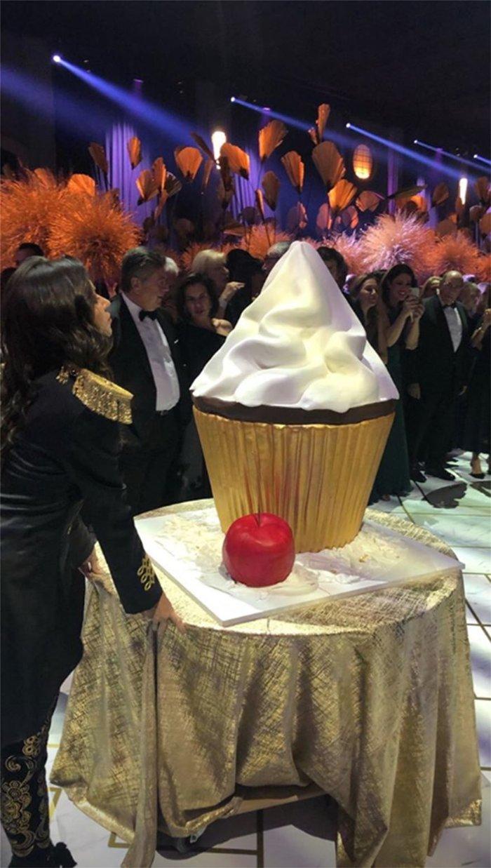 Γάμος Καίσαρη:Χολιγουντιανό πάρτι σε αποθήκη στο Ελληνικό που έκαναν παλάτι - εικόνα 7