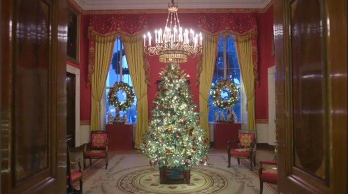 Η Μελάνια περιπλανιέται με 12ποντα στον υπέροχα στολισμένο Λευκό Οίκο - εικόνα 7