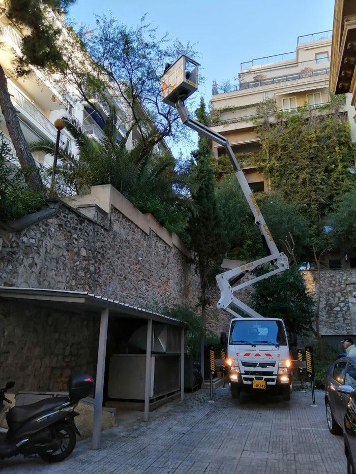Δήμος Αθήνας: Καθαρισμός και στον Άγιο Διονύσιο στο Κολωνάκι