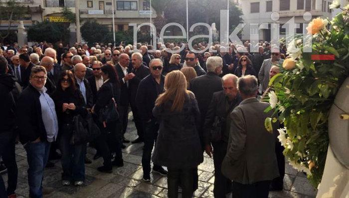 Το τελευταίο «αντίο» στον πρώην βουλευτή Γιώργο Δεικτάκη - εικόνα 3