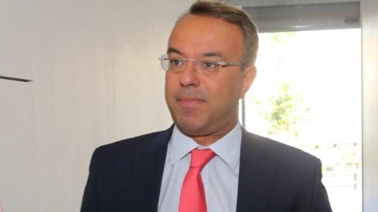 stis-brukselles-o-staikouras-eurogroup-me-epathlo-767-ekat-eurw