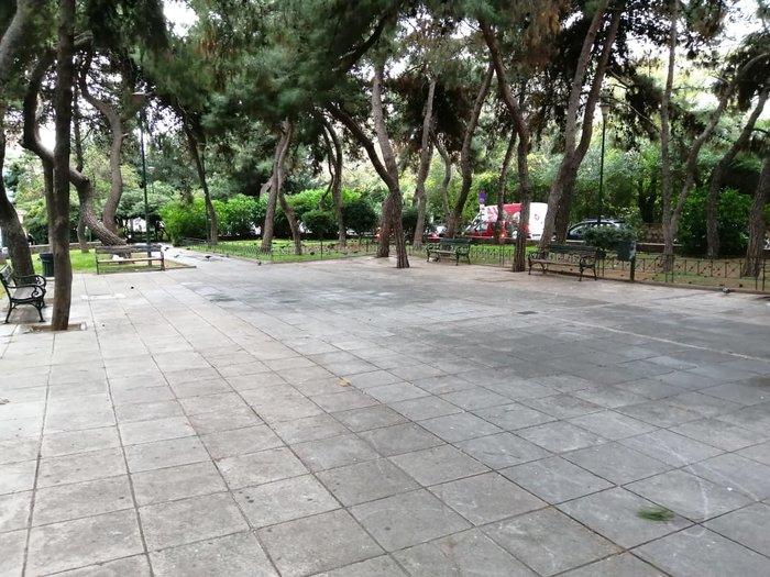 Πέντε πλατείες στους Αμπελοκήπους παραδίδονται καθαρές - εικόνα 5