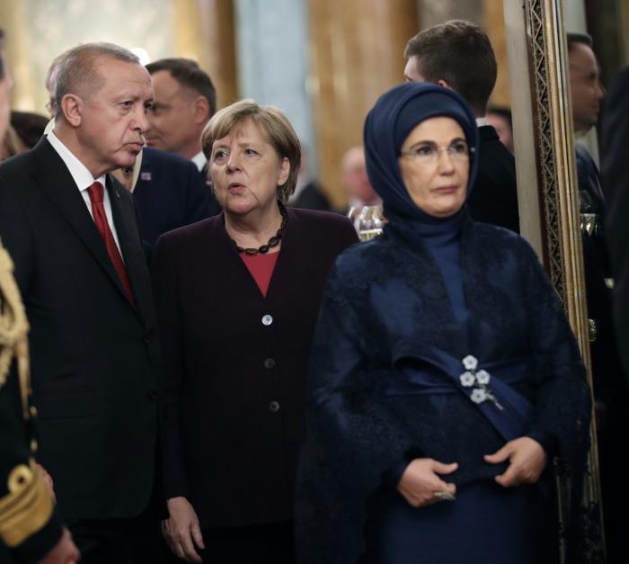 Η Εμινέ Ερντογάν είναι το ίνδαλμα της μουσουλμανικής μόδας - εικόνα 3