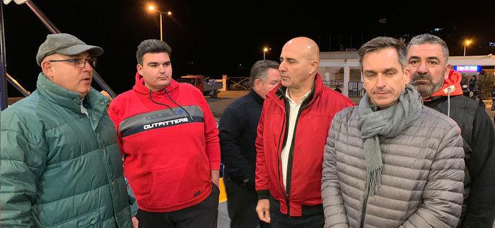 Λέρος: Κάτοικοι και δήμαρχος εμπόδισαν την αποβίβαση προσφύγων - εικόνα 2