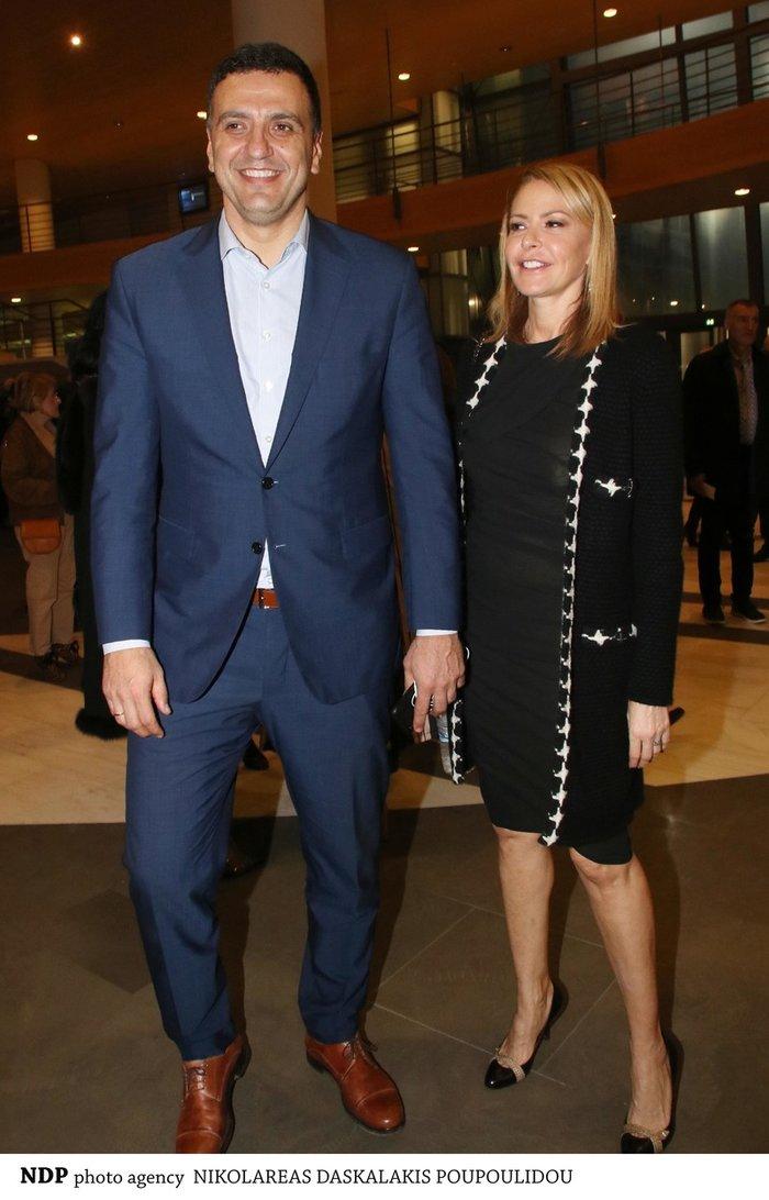 Η Τζένη Μπαλατσινού και ο Βασίλης Κικίλιας βρέθηκαν στο θέατρο του Ιδρύματος Μείζονος Ελληνισμού για την επίσημη πρεμιέρα της παράστασης «Από Σμύρνη... Σαλονίκη»,