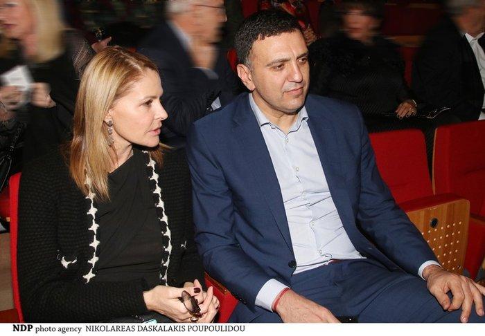 Το ζευγάρι παρακολούθησε τη θεατρική συνέχεια της παράστασης «Σμύρνη μου αγαπημένη», της Μιμής Ντενίση, που πέρσι είχε σημειώσει μεγάλη επιτυχία.