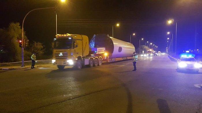 Ιωάννινα: Οχημα-μαμούθ 74 μέτρων άφησε άφωνους τους πάντες [εικόνες] - εικόνα 3