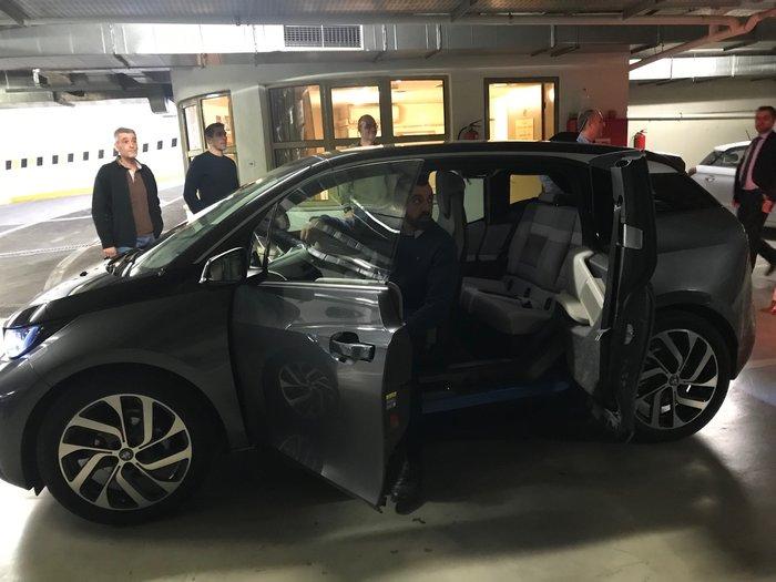 Test drive ηλεκτρικών αυτοκινήτων στο γκαράζ της Βουλής - εικόνα 2