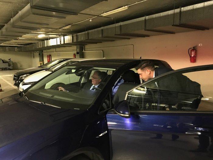 Test drive ηλεκτρικών αυτοκινήτων στο γκαράζ της Βουλής - εικόνα 4