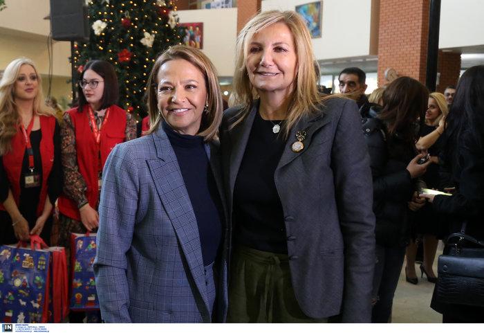 Μαρέβα Μητσοτάκη: Επίσκεψη με δώρα και χαμόγελα στο νοσοκομείο Παπαγεωργίου - εικόνα 3
