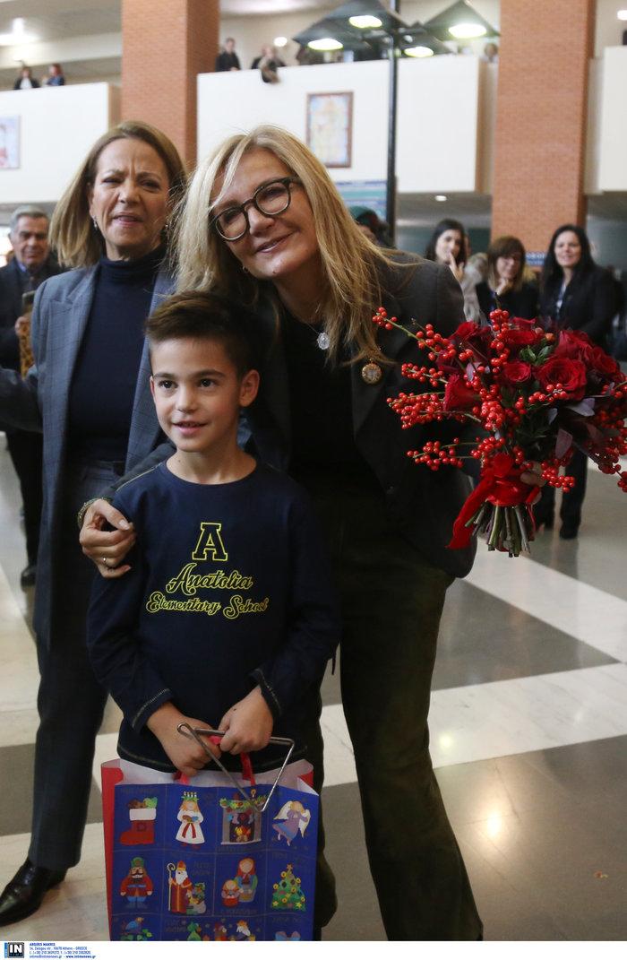Μαρέβα Μητσοτάκη: Επίσκεψη με δώρα και χαμόγελα στο νοσοκομείο Παπαγεωργίου - εικόνα 9
