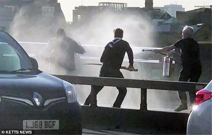 Επίθεση στη Γέφυρα Λονδίνου: Ο ήρωας είχε καταδίκη για φόνο (βίντεο)