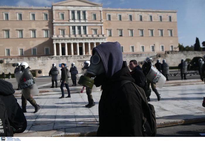 Οι αναρχικοί στην πορεία: Ο μάσκες και τα εξαρτήματα - εικόνα 13