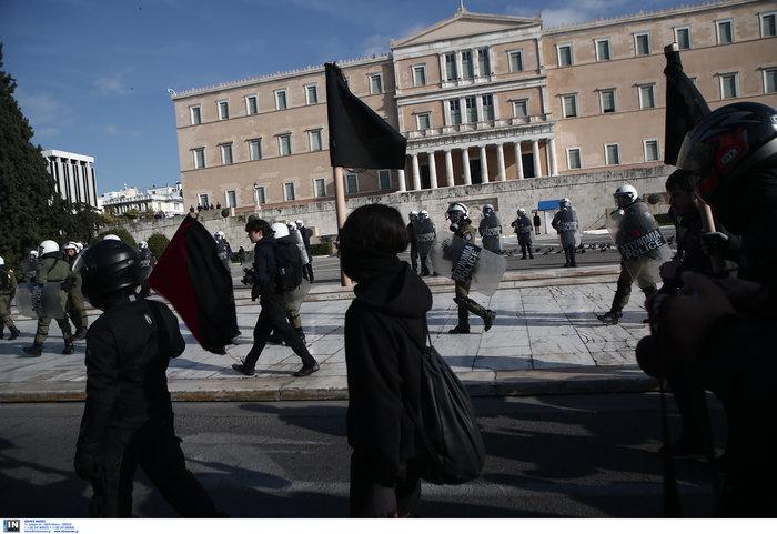 Οι αναρχικοί στην πορεία: Ο μάσκες και τα εξαρτήματα - εικόνα 11
