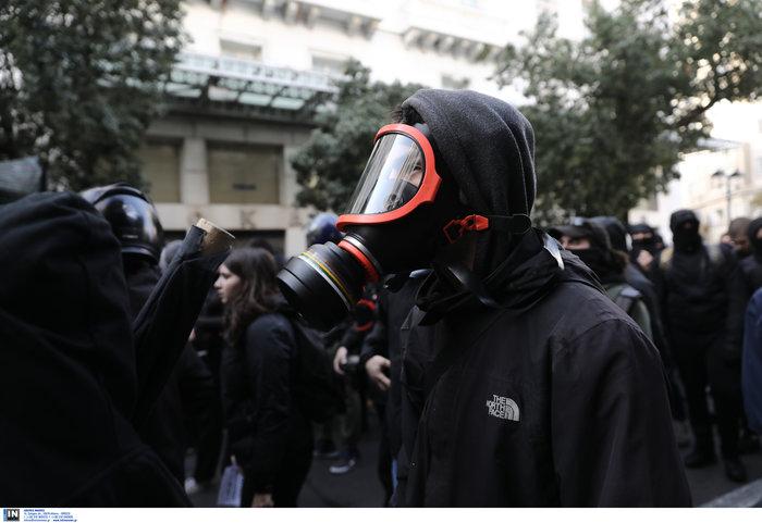 Οι αναρχικοί στην πορεία: Ο μάσκες και τα εξαρτήματα - εικόνα 3