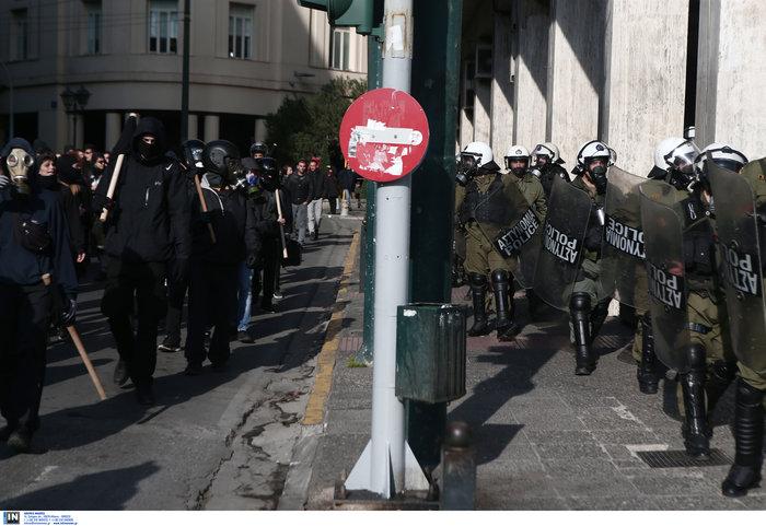 Οι αναρχικοί στην πορεία: Ο μάσκες και τα εξαρτήματα - εικόνα 10
