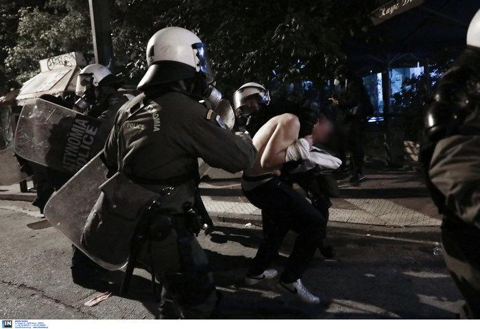 Επεισόδια στα Εξάρχεια - Δεκάδες συλλήψεις και προσαγωγές - εικόνα 2