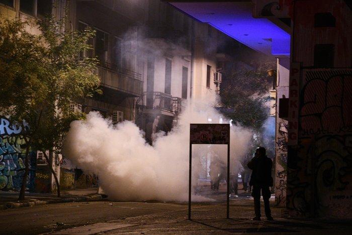 Μολότοφ, τραυματίες & συλλήψεις σε Αθήνα, Πάτρα, Θεσσαλονίκη - εικόνα 5
