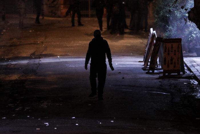 Μολότοφ, τραυματίες & συλλήψεις σε Αθήνα, Πάτρα, Θεσσαλονίκη - εικόνα 6