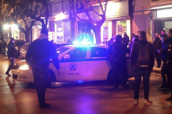 Μολότοφ, τραυματίες & συλλήψεις σε Αθήνα, Πάτρα, Θεσσαλονίκη - εικόνα 12