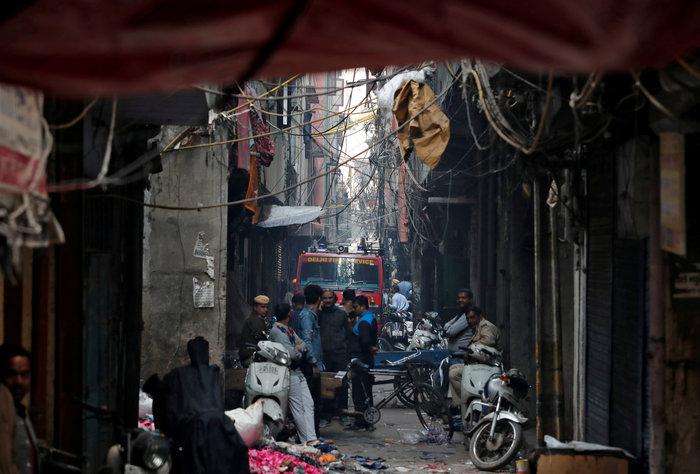 Τραγωδία στην Ινδία: 43 νεκροί από πυρκαγιά σε εργοστάσιο