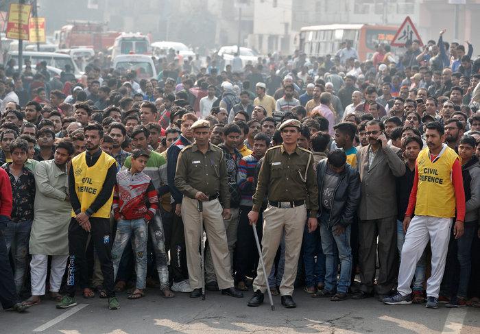 Τραγωδία στην Ινδία: 43 νεκροί από πυρκαγιά σε εργοστάσιο - εικόνα 3