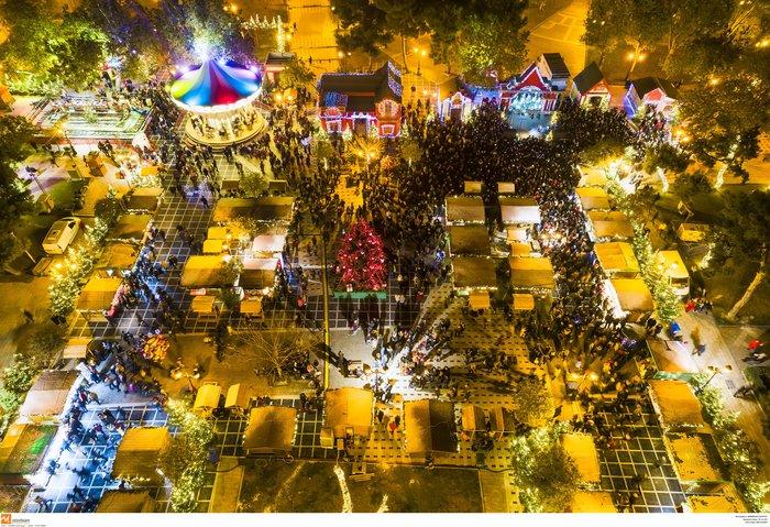 Ο μαγικός χριστουγεννιάτικος στολισμός της Θεσσαλονίκης από ψηλά [Εικόνες] - εικόνα 5