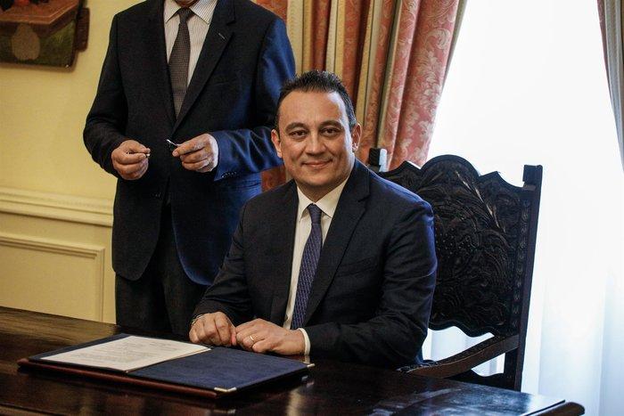 Ορκίστηκε ο νέος υφυπουργός Εξωτερικών Κώστας Βλάσης - εικόνα 3