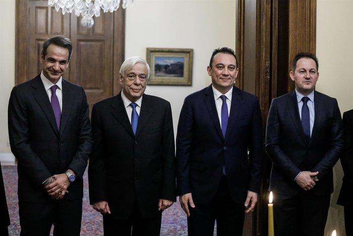 Ορκίστηκε ο νέος υφυπουργός Εξωτερικών Κώστας Βλάσης - εικόνα 4