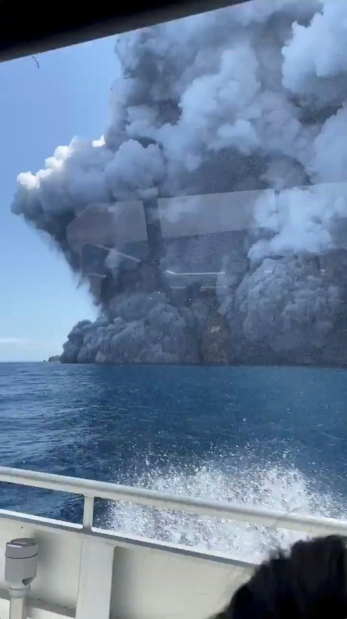 Τουλάχιστον 13 οι νεκροί από το ηφαίστειο στη Νέα Ζηλανδία - εικόνα 2