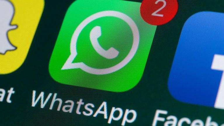 whatsapp-telos-gia-xiliades-xristes--ti-allazei-suntoma