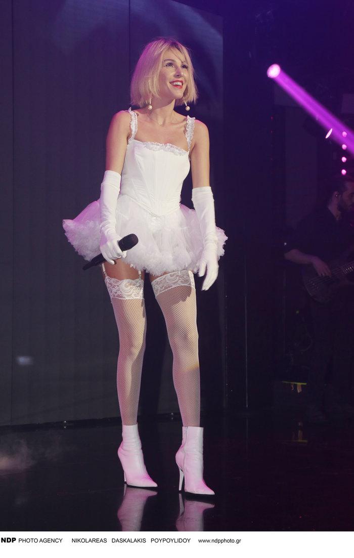 Σέξι μπαλαρίνα με ζαρτιέρες η Τάμτα: Αθώα και προκλητική ταυτόχρονα - εικόνα 4