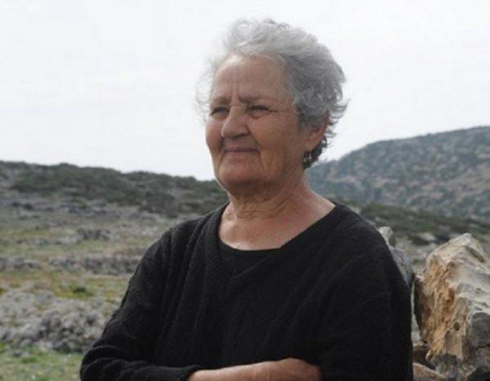 Κυρά Ρηνιώ στην Κίναρο: «Αν πεθάνω θα πάρουν το νησί οι Τούρκοι» - εικόνα 2