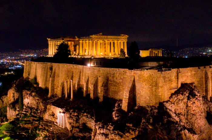Εκπληκτικές φωτογραφίες από την μαγική νυχτερινή Ακρόπολη - εικόνα 3