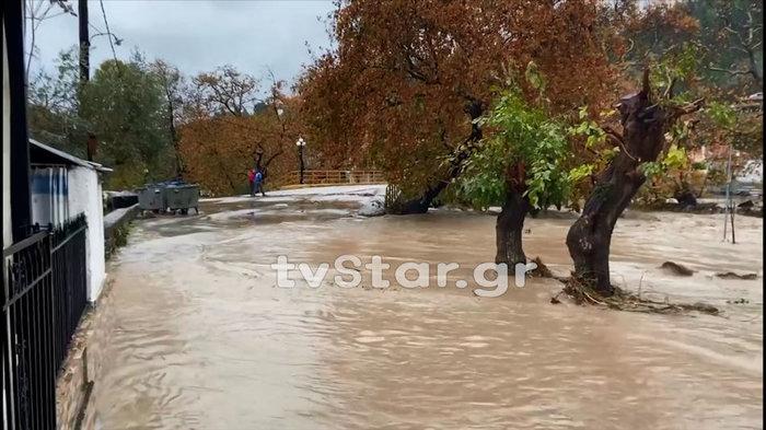 Γκρεμίστηκε γέφυρα στην Εύβοια - Εσπευσε η 7η ΕΜΑΚ [εικόνες & βίντεο] - εικόνα 2