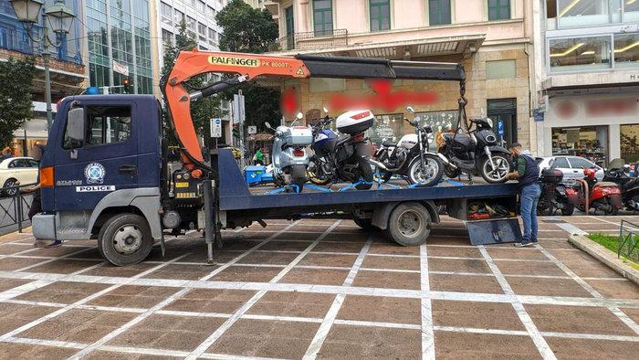 Σαφάρι της τροχαίας στο κέντρο της Αθήνας για τα μηχανάκια [φωτό - βίντεο] - εικόνα 3