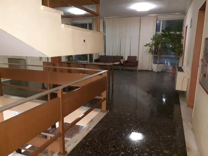 Νεροποντή Λάρισα: Φούσκωσαν ρέματα και πλημμύρισαν τα δικαστήρια