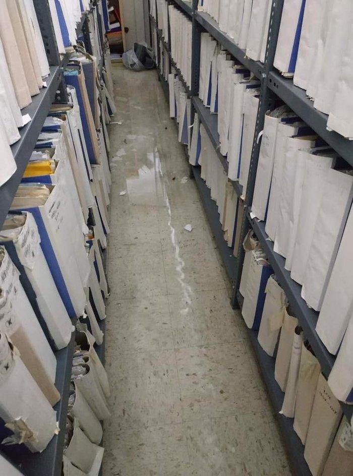 Νεροποντή Λάρισα: Φούσκωσαν ρέματα και πλημμύρισαν τα δικαστήρια - εικόνα 3